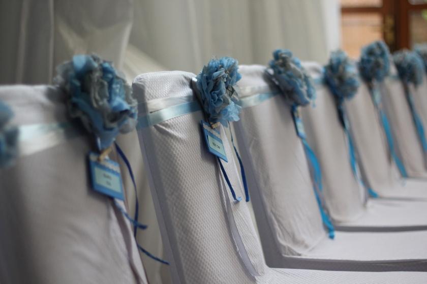 Bajuusss ya itu bunga-bunganya, crafted in Singapore by the bride to be's sister, dibawa dalam koper sampai jekardah